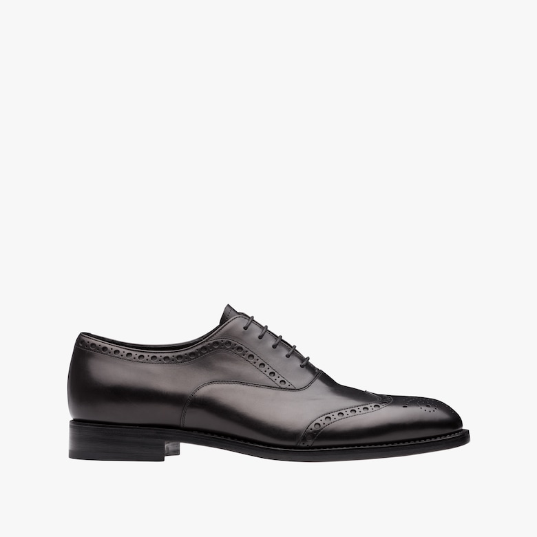 Antiqued leather laced Oxford shoes