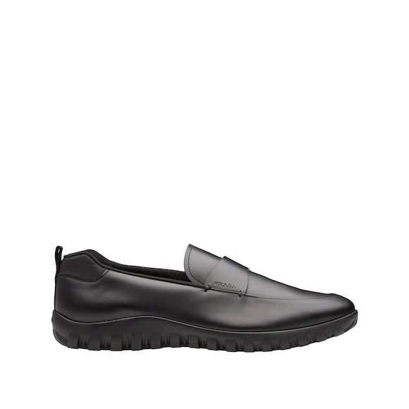 Calf leather slip-on shoes