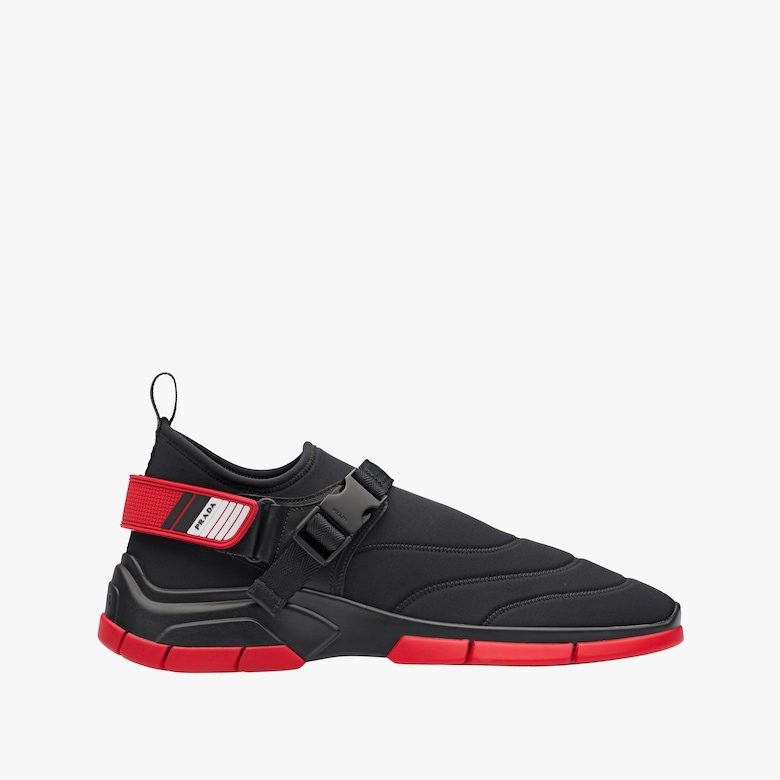 Sneakers in neoprene con impunture