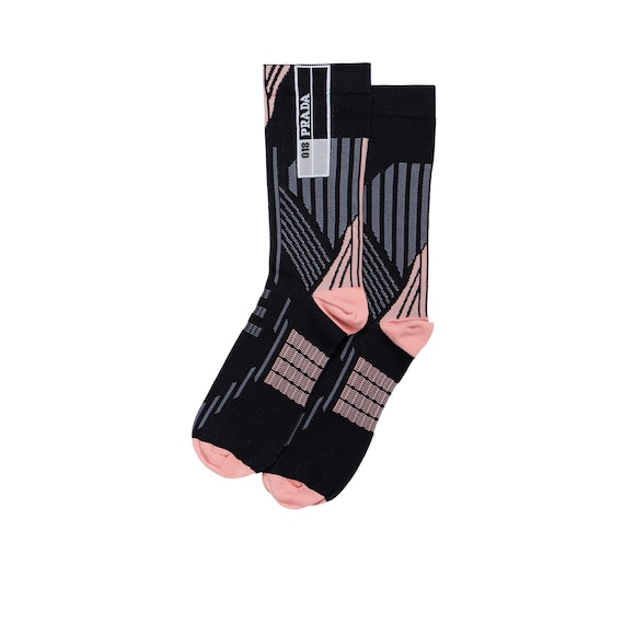 Socks with geometric motifs