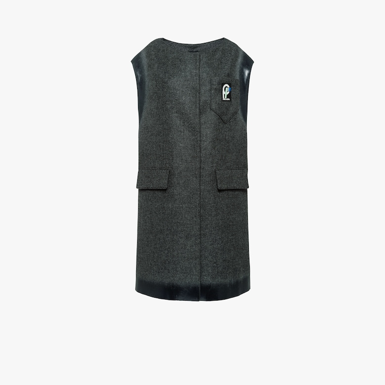 Sleeveless wool coat