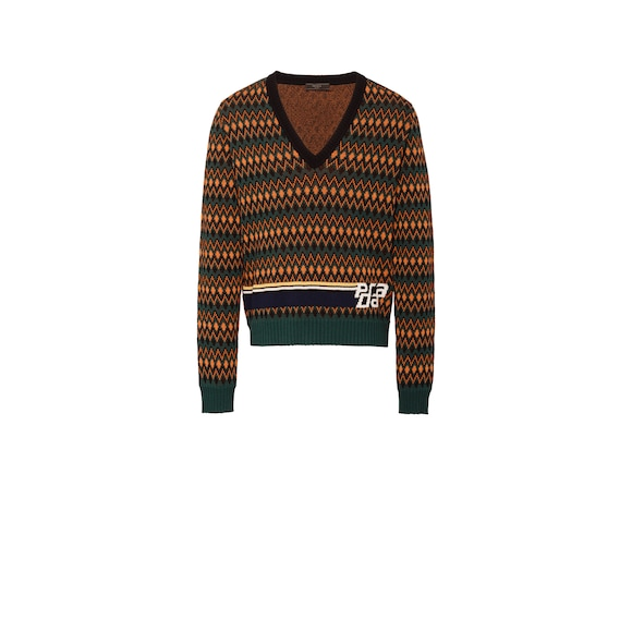Wool and cashmere V-necked sweater