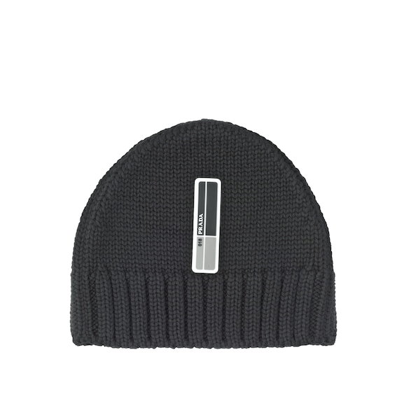 Cablé wool hat